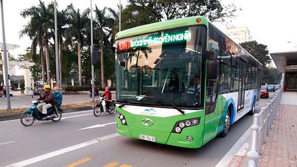 Dự án buýt nhanh BRT Hà Nội phải thu hồi hơn 42 tỉ đồng sai phạm - Ảnh 1.