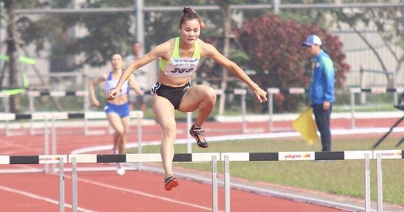 Quách Thị Lan về đích thứ 5 đợt chạy vòng loại thứ ba 400m rào nữ - Ảnh 1.