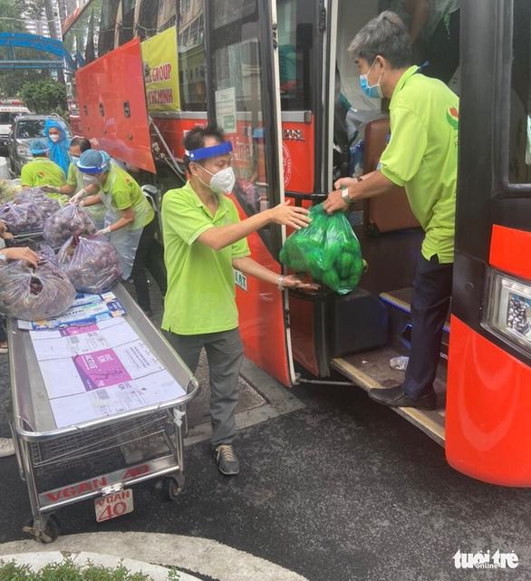 TP.HCM đã đón nhận hơn 5.500 tấn nông sản sạch Lâm Đồng gửi tặng - Ảnh 7.