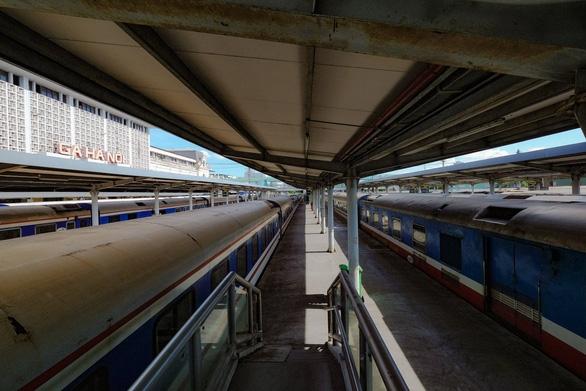 Khai thác trở lại xe khách, tàu hỏa, tàu thủy thế nào? - Ảnh 1.