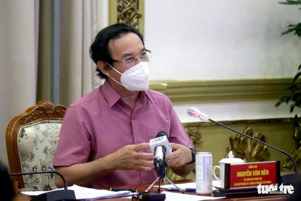 Bí thư Nguyễn Văn Nên: Không thể tiếp tục kéo dài giãn cách nghiêm ngặt - Ảnh 1.