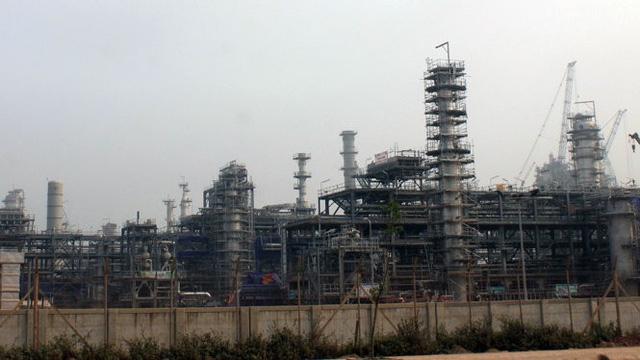 Nhà máy lọc dầu 9 tỉ đô Nghi Sơn chuẩn bị sản xuất xăng A95 - Ảnh 1.