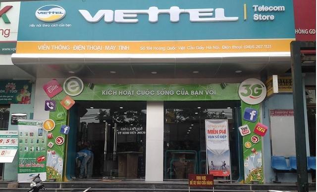 Một cửa hàng Viettel Telecom thuộc Tập đoàn Viễn thông Quân đội...