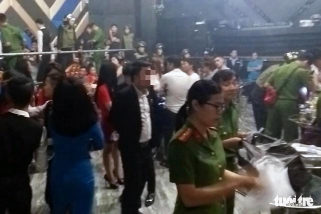 Lại phát hiện 80 thanh niên dính ma túy trong bar ở Biên Hòa - Ảnh 2.