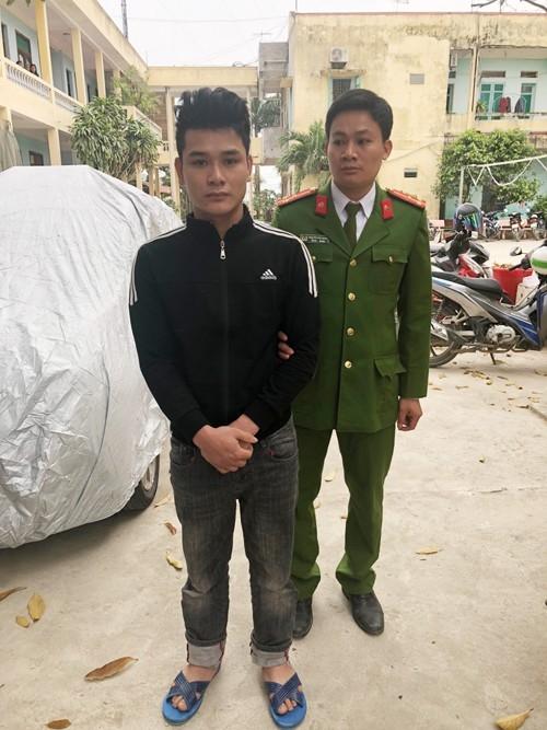 Đối tượng Hùng bị công an bắt giữ khi đang thực hiện âm mưu đưa người sang Trung Quốc lao động chui