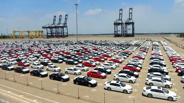 Bộ GTVT cho biết các phản ánh của doanh nghiệp đến thời điểm này cũng đã được làm và vẫn còn doanh nghiệp đang hoàn tất các thủ tục đăng kiểm để đưa xe ra thị trường trong tháng 3/2018.