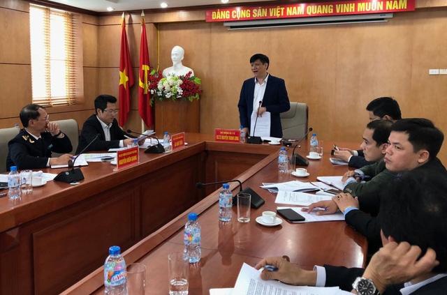 Thứ trưởng Bộ Y tế Nguyễn Thanh Long phát biểu tại buổi làm việc. Ảnh: H.Hải