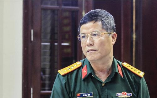 Đại tá Vũ Xuân Tiến thông tin về những điểm mới trong tuyển sinh quân đội năm 2017. Ảnh: Dương Tâm