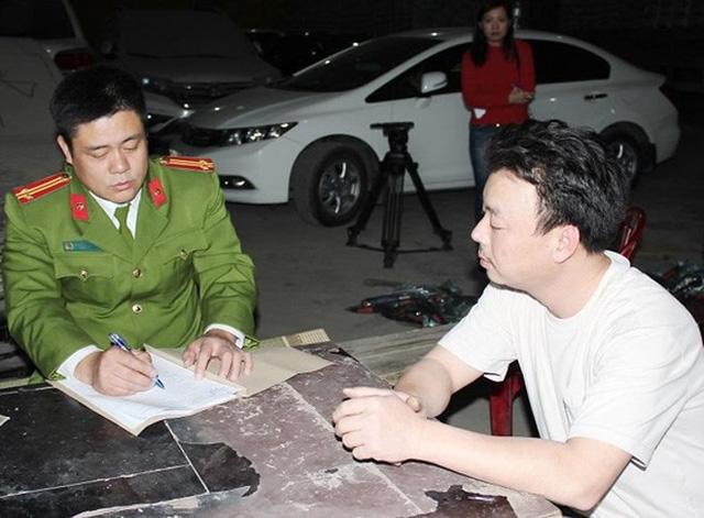 Lái xe Lê Hữu Tài khai nhận đã vận chuyển thuê số súng nhựa trên cho một số người từ Móng Cái về Thanh Hóa (ảnh báo CAND)