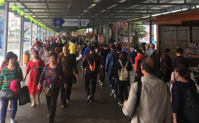 Quảng Ninh mạnh tay xử lý tour 0 đồng đón khách Trung Quốc - Ảnh 1.