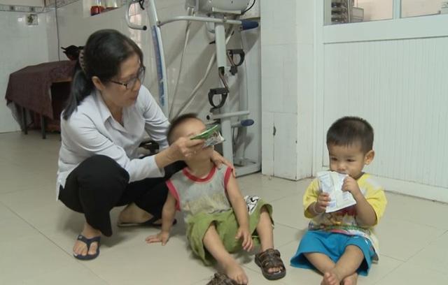 Bà Nguyễn Thị Cư - Giám đốc Mái ấm truyền tin cho biết cơ sở đã lận đận suốt 20 năm để xin cấp phép mà không được, cho tới khi có chuyện nữ sinh cầu cứu lãnh đạo TPHCM