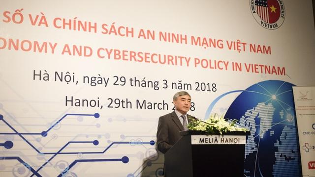Thứ trưởng Bộ TT&TT Nguyễn Minh Hồng, Chủ tịch Hội Truyền thông số Việt Nam.
