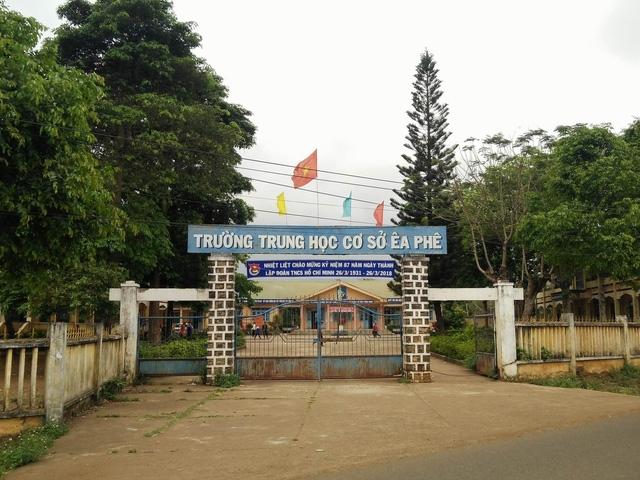 Trường THCS Ea Phê nơi ông Phan Xuân Hạnh làm Hiệu trưởng.