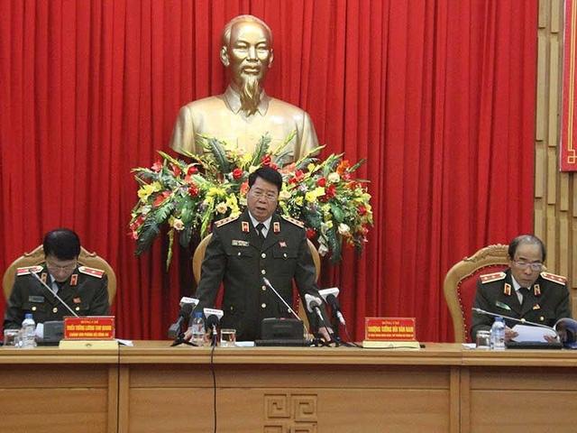 Họp báo giữa tháng 1 vừa rồi, Thứ trưởng Bùi Văn Nam cho biết hoàn thiện và triển khai đề án đổi mới, sắp xếp tổ chức bộ máy Bộ Công an tinh gọn, hoạt động hiệu lực , hiệu quả là nhiệm vụ trọng tâm năm 2018 của toàn lực lượng công an. Ảnh: T. Phan