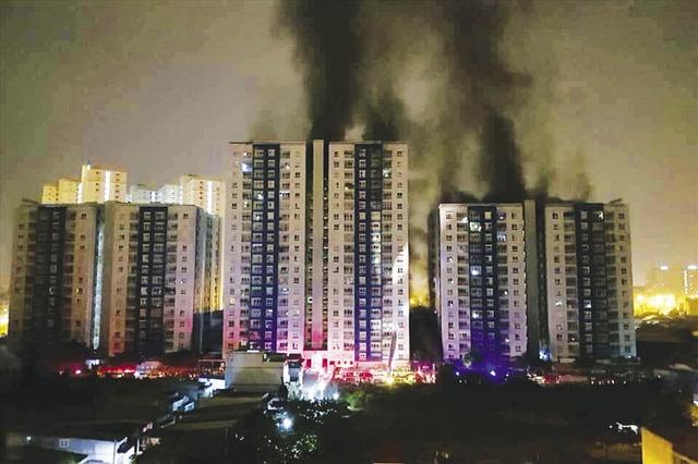 Vụ cháy chung cư Carina tại TPHCM cuối tháng 3 vừa qua đã gây thiệt hại lớn về người và tài sản.