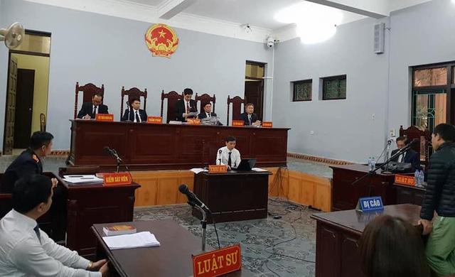Sáng ngày 6/4/2018, TAND tỉnh Hưng Yên đã mở phiên tòa xét xử sơ thẩm vụ án với bị cáo Đỗ Văn Chung với thẩm phán, Chủ tọa phiên tòa là ông Nguyễn Đồng Dực.