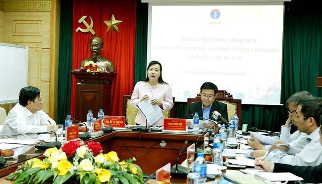 Bộ trưởng y tế Nguyễn Thị Kim Tiến lý giải, không phải cứ tên vật tư tiêu hao giống nhau là giá cả giống nhau. Ảnh: T.D