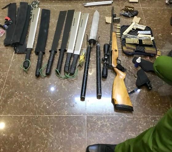 Số tang vật vũ khí được phát hiện tại nhà Tuấn