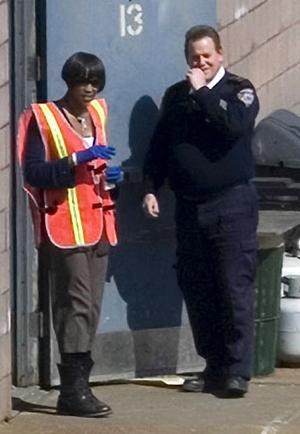 Siêu mẫu khi tới trình diện cảnh sát.