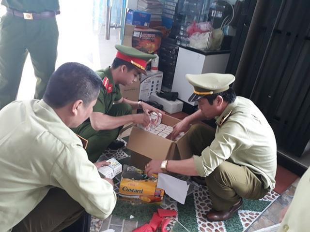 Cơ quan chức năng bắt giữ lô hàng mang tên công ty TNHH TMDV H.B.A với nhãn mác mới.
