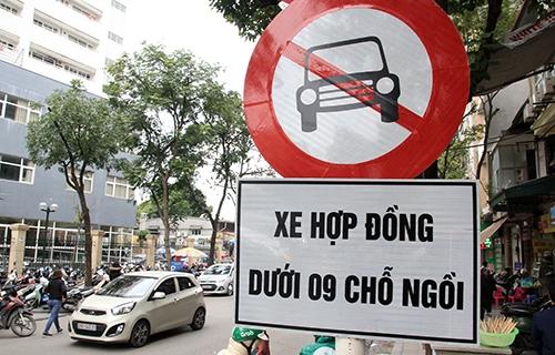 Hiệp hội taxi đề xuất đổi màu biển số xe kinh doanh từ trắng sang vàng