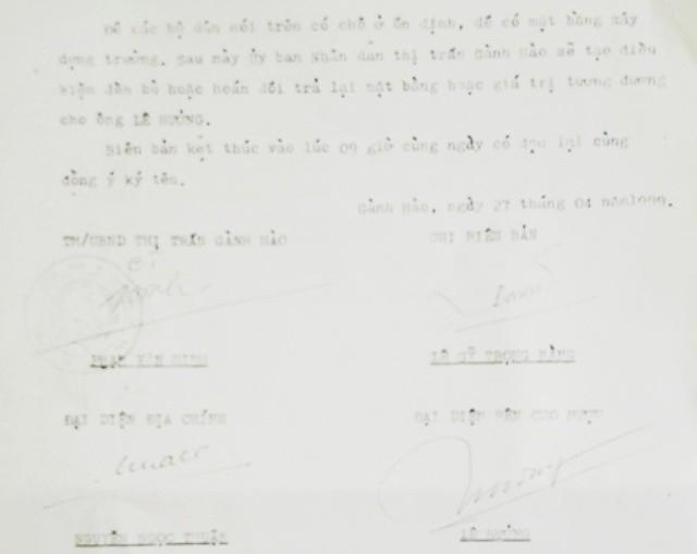 Biên bản mượn đất ông Lê Hưởng của UBND thị trấn Gành Hào vào năm 1999.
