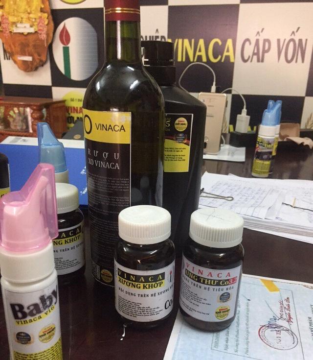 Các sản phẩm thực phẩm chức năng hỗ trợ điều trị ung thư làm từ than tre của Công ty TNHH Vinaca được trưng bày tại 1 cơ sở.