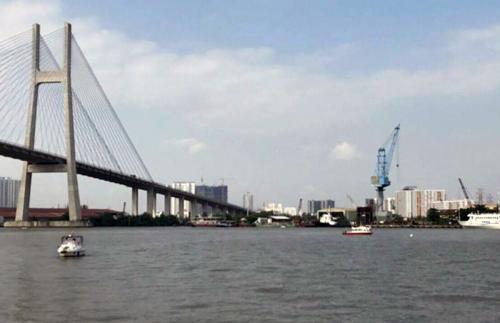Khu vực xảy ra sự việc nằm gần cầu Phú Mỹ. Ảnh: Tin Tin