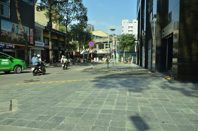 Tương tự, bãi giữ xe trên đường Hồ Tùng Mậu (vách tòa nhà Sunwah) thuộc UBND phường Bến Nghé cũng đã được giải tỏa