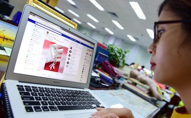 Nóng chuyện thu thuế Google, Facebook... - Ảnh 1.