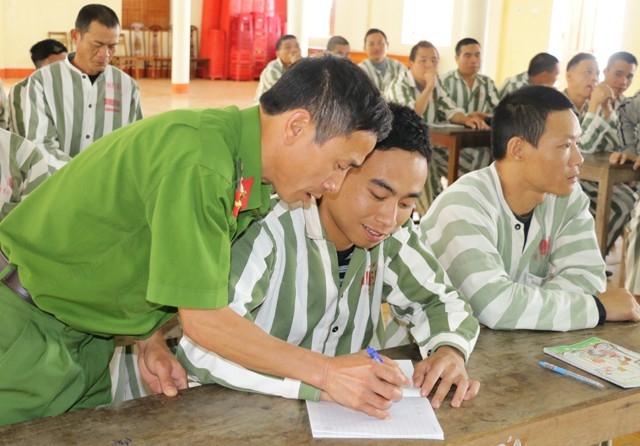 Với những học trò đặc biệt này, người thầy phải cực kỳ kiên trì và nhẫn nại