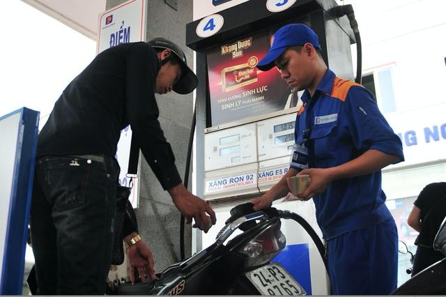 Lượng tiêu thụ xăng E5 đã tăng lên