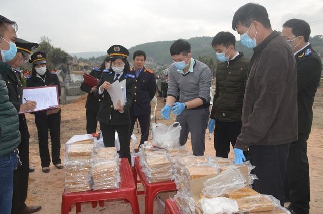 Quảng Ninh: Tiêu hủy 260 bánh heroin  - Ảnh 1.
