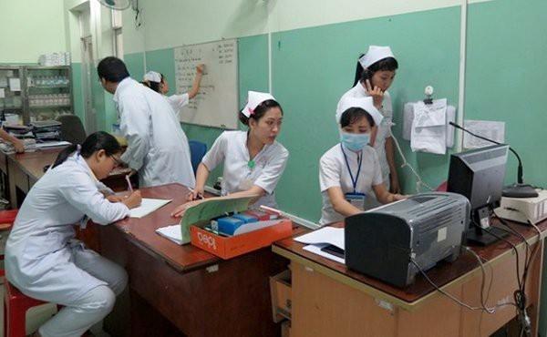 Nhân viên y tế tại 115 Hà Nội làm việc không ngơi nghỉ
