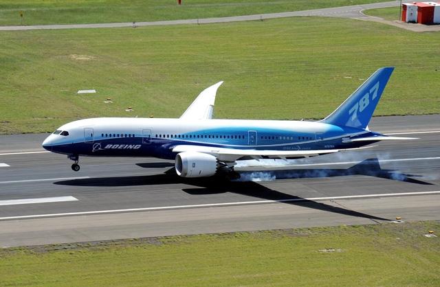 A380 đối mặt với sự cạnh khốc liệt từ dòng máy bay Dreamliner của Boeing (Ảnh: ABC)