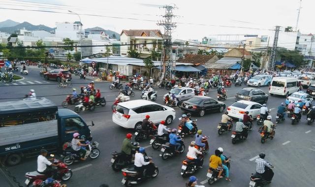 Khánh Hòa thu hồi đất làm điện mặt trời, nút giao thông - Ảnh 1.