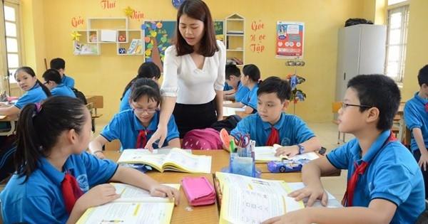 Kế hoạch bồi dưỡng và đào tạo lại để nâng chuẩn trình độ giáo viên từ trung cấp sư phạm, cao đẳng sư phạm lên đại học trong thời gian khoảng 5 năm.