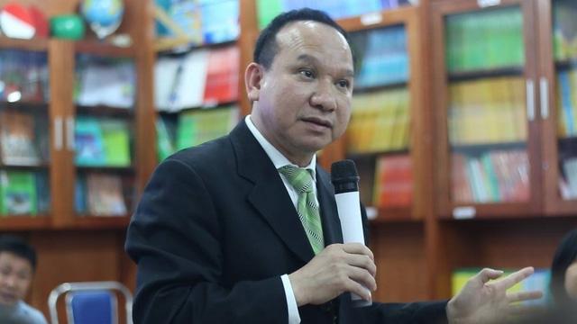 Ông Philip Nguyen, Chủ tịch GWIS trao đổi với PV và phụ huynh học sinh.