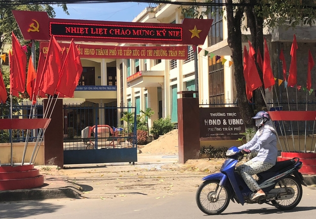 Phát hiện thêm 5 cán bộ ăn chặn tiền chính sách ở TP Quảng Ngãi - Ảnh 1.