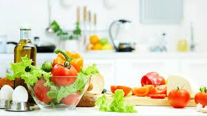Mức phạt đối với hành vi sử dụng dụng cụ, vật liệu bao gói thực phẩm theo quy định mới