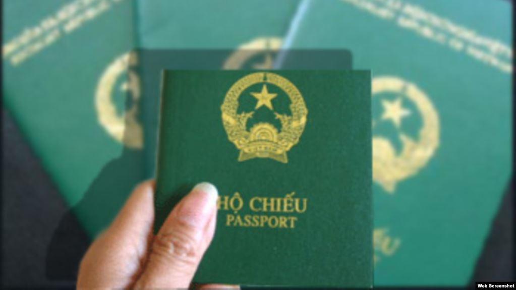 Hộ chiếu có bắt buộc gắn chíp điện tử không?
