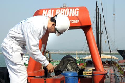 Nguyên tắc kiểm tra tàu biển được quy định như thế nào?