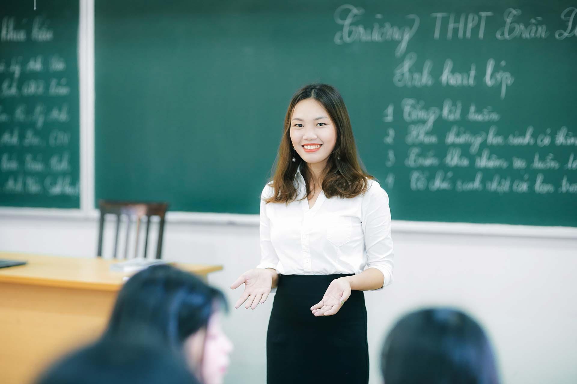 Có bằng cử nhân thì có làm được giảng viên không?