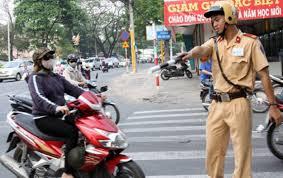 Công an xã có được dừng xe trên đường tỉnh lộ để kiểm soát?