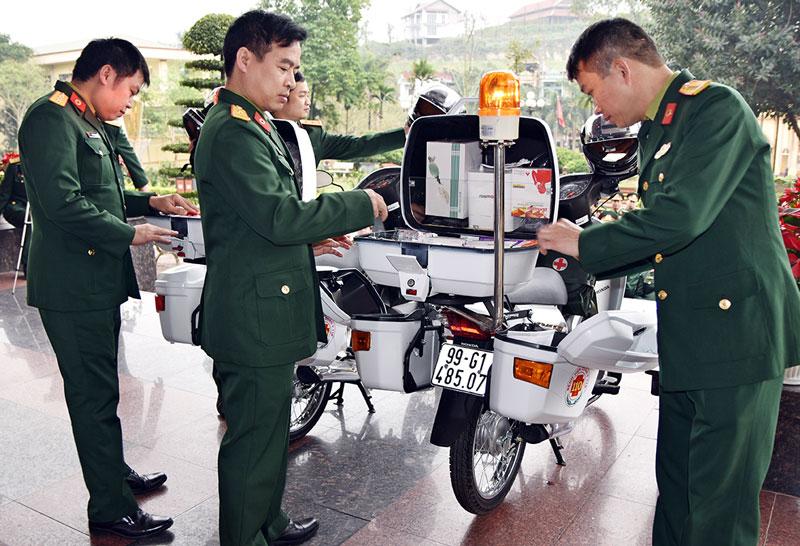 Nhân viên quân y công tác tại vùng khó khăn hưởng phụ cấp thu hút thế nào?