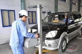 Kiểm định xe ô tô có phải nộp phí kiểm định không?