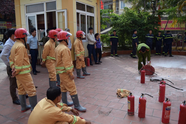 Chủ đầu tư có được yêu cầu nhà thầu cung cấp hồ sơ năng lực phòng cháy chữa cháy?