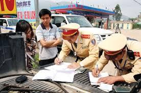 Trong thời gian khiếu nại quyết định xử phạt giao thông thì có phải nộp phạt?