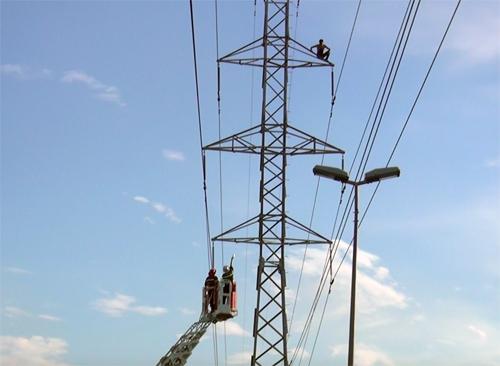 Người dân được tự xây cột điện không?