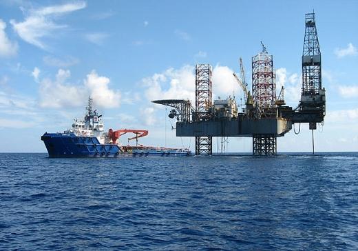 Tàu thuyền chuyên dùng phục vụ dầu khí là gì?